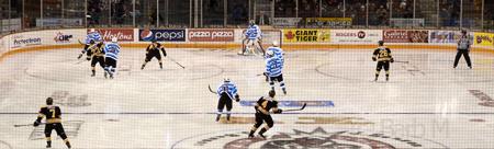 Ottawa hockey photography workshop - Barb McKenzie