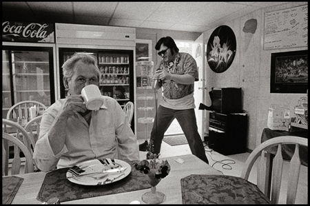 © David Trattles - Elvis visits the Yukon